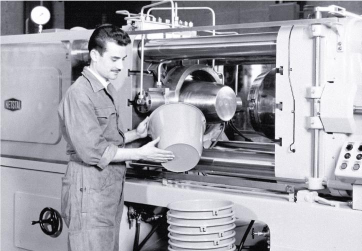 Die Erfolgsgeschichte der Haushaltsprodukte von Stöckli beginnt 1874.